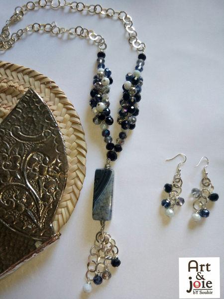 Image de Série noir et blanc avec Pierre agate et des cristaux