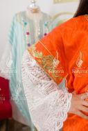 Image de Robe traditionnelle manches dentelle