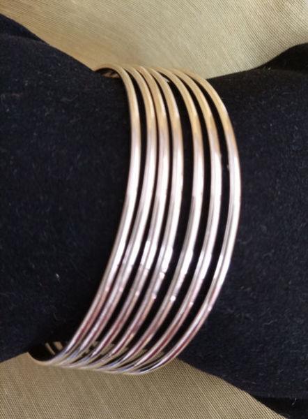 Image de Des bracelets argent
