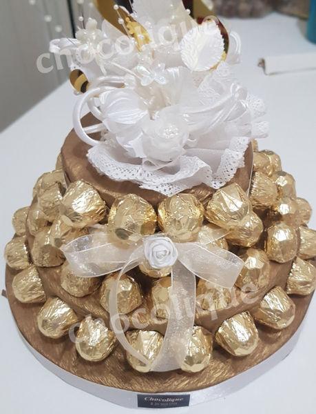 Image de Piece montée de chocolats fins fourrés