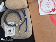 Image de Coffret pour couple bracelet en pierre avec boule en argent et pierre lapis-lazuli et bracelet avec motif en acier inoxydable
