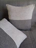 Image de Des coussins décoratifs artisanaux déhoussables