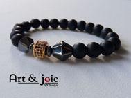 Image de Bracelet en pierre onyx mate et hematite noir et motif Swarovski doré